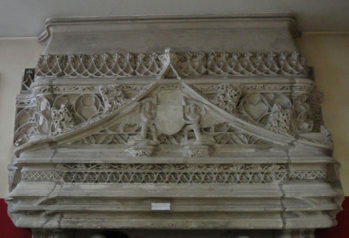 manteau de cheminée d'un hôtel disparu de Périgueux, XVe