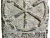pierre qui évoque le nom du premier évêque de Périgueux, Saffaire